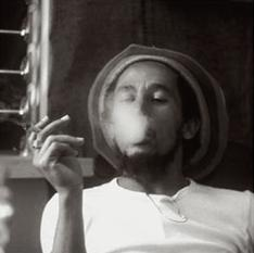 bob-marley-smoking-